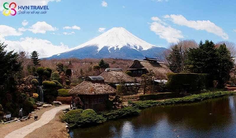 Khu làng cổ Oshino Hakkai