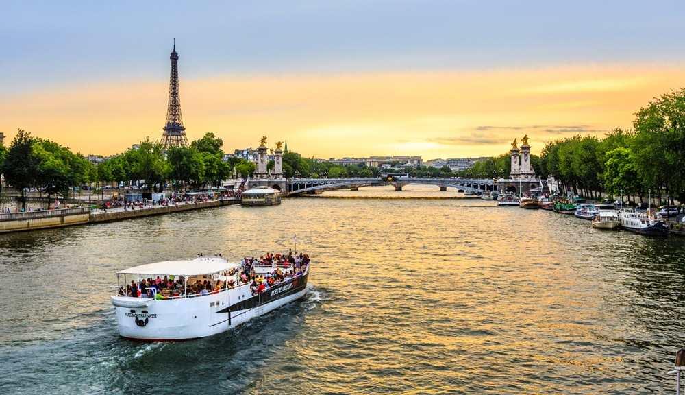 Đi du thuyền dọc sông Seine